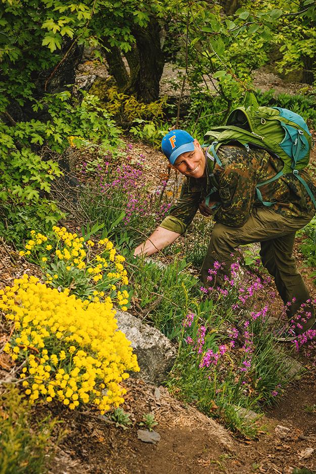 fotografování rodin v přírodě s kytičkami 8