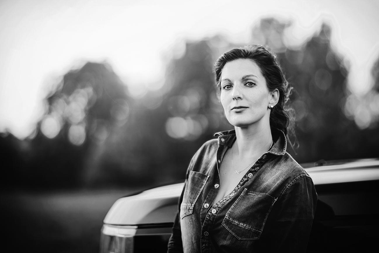 profesionální focení portrétů žen venku v Praze oo